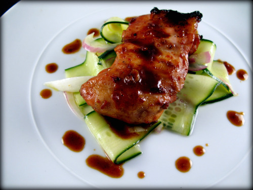 bbq chicken with cukes & onions